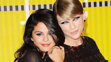 Swift ja Gomez