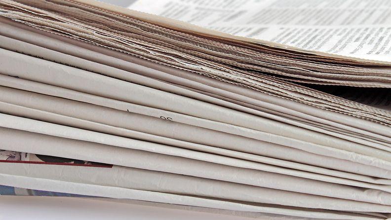 kasa sanomalehtiä