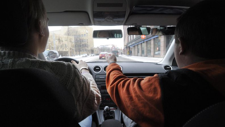 autokoulun ajotunti