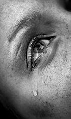 silmä_kyynel