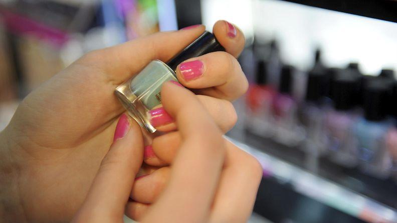 Kosmetiikkaostoksilla kannattaa tutkia inci-listaa.