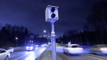 Poliisi: Sakkorajan alentaminen tehosi heti – kameratolpat välkkyivät aiempaa harvemmin ...