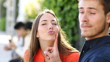 avio liitto ei dating päähenkilöt