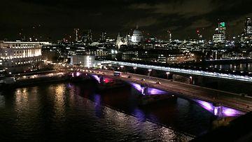 Lexus: Thames