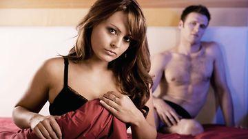 Moni suomalainen ei jaksa tai ei ehdi harrastaa seksiä.