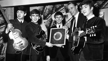 The Beatles ja George Martin vuonna 1962