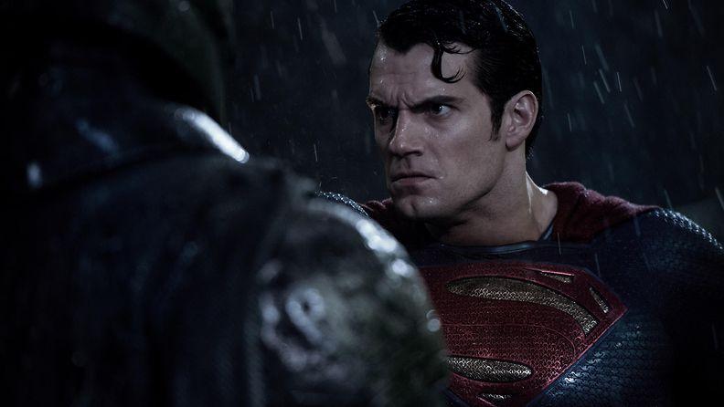 Batman v Superman Ben Affleck Henry Cavill 2016 1