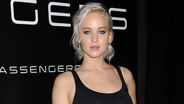 Jennifer Lawrence 12.4.2016 VAAKA
