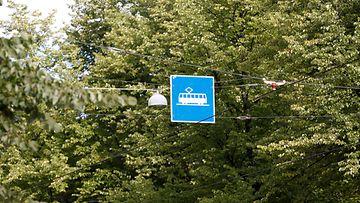 Raitiovaunukaistalla Ajaminen