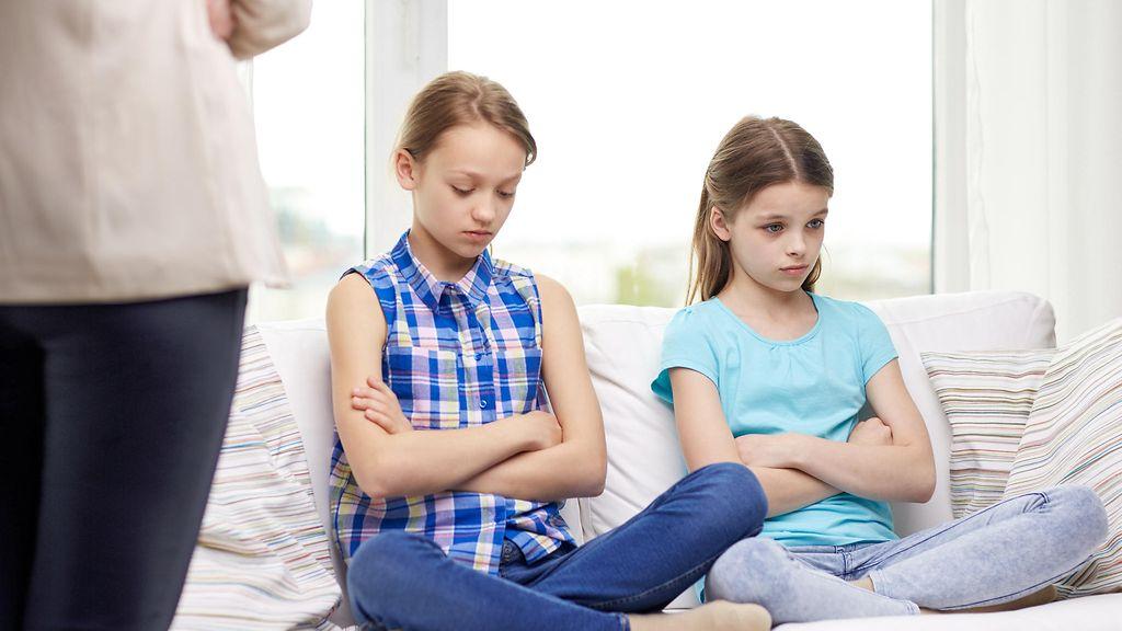 Social Science and Medicinessä julkaistun tutkimuksen mukaan tiukkien  vanhempien lapset kärsivät muita todennäköisemmin ylipainosta b31258ae39