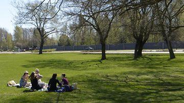 sää kevät aurinko piknik lämpö toukokuu