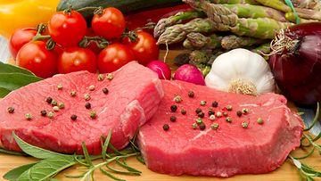 lihaa ja kasviksia