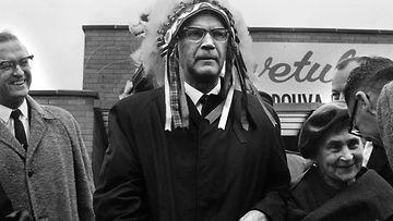 Urho Kekkonen intiaanina Yhdysvaltain ja Kanadan matkallaan