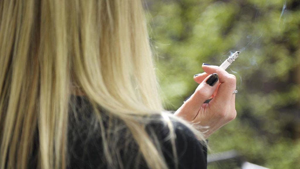 tupakoiva nainen pillu fi