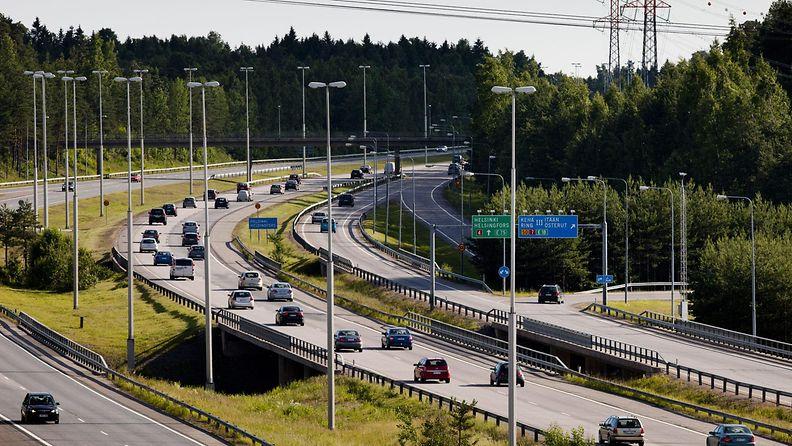 moottoritie 2