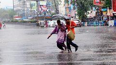 Salamat tappaneet kymmeni� Intian monsuunisateissa