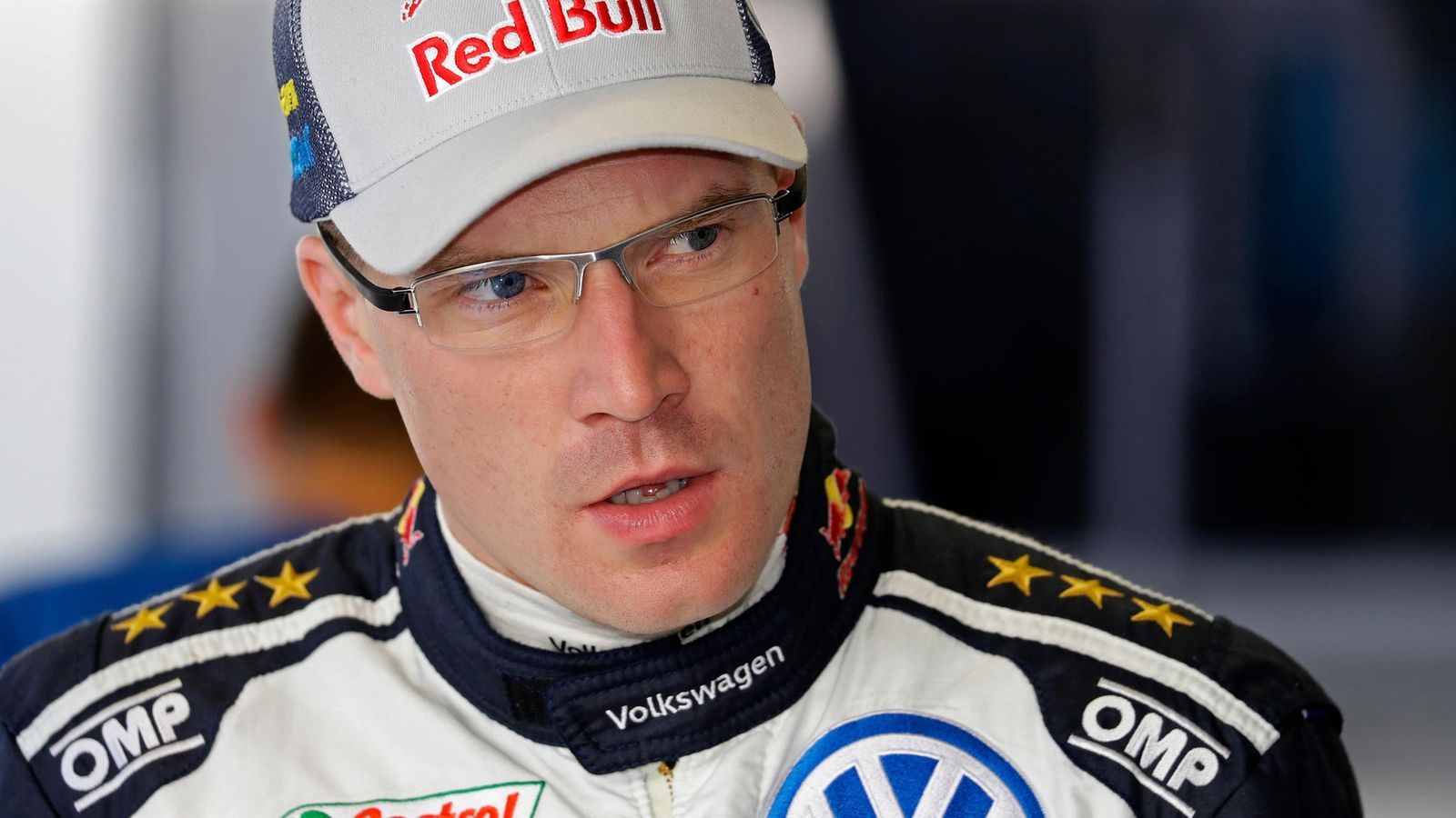 Jari-Matti Latvala with a weight of 81 kg and a feet size of N/A in favorite outfit & clothing style