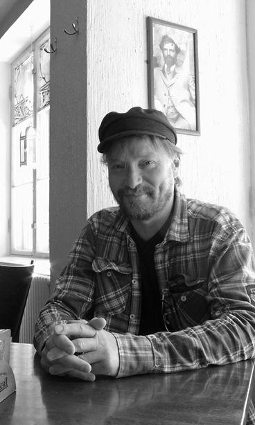"""Pauli Hanhiniemi avoimena 30-vuotisesta artistiurastaan MTV:lle: """"Silloin paloin loppuun ..."""