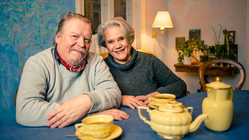 Suomalaiset avoimina uutuussarjassa – miten toimii kommuuni tai suurperhe?