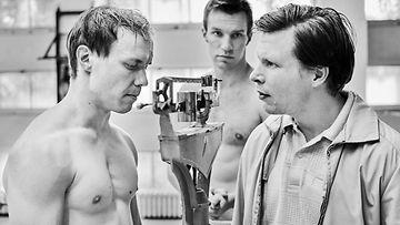 Kotikatsomo: Hymyilevä mies – Cannes-palkittu elokuva nyrkkeilijä Olli Mäestä