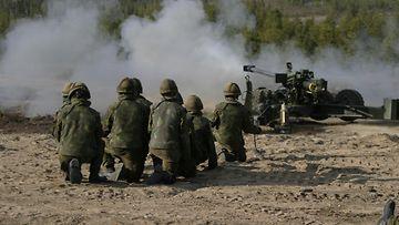 kenttätykki_4 Armeija Puolustusvoimat maavoimat sotilas