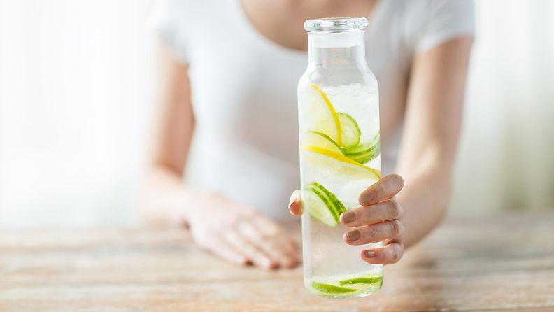 Laihduttaa sitruunavesi