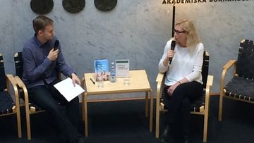 Auer Anneli kirjakaupassa 1.10.2016
