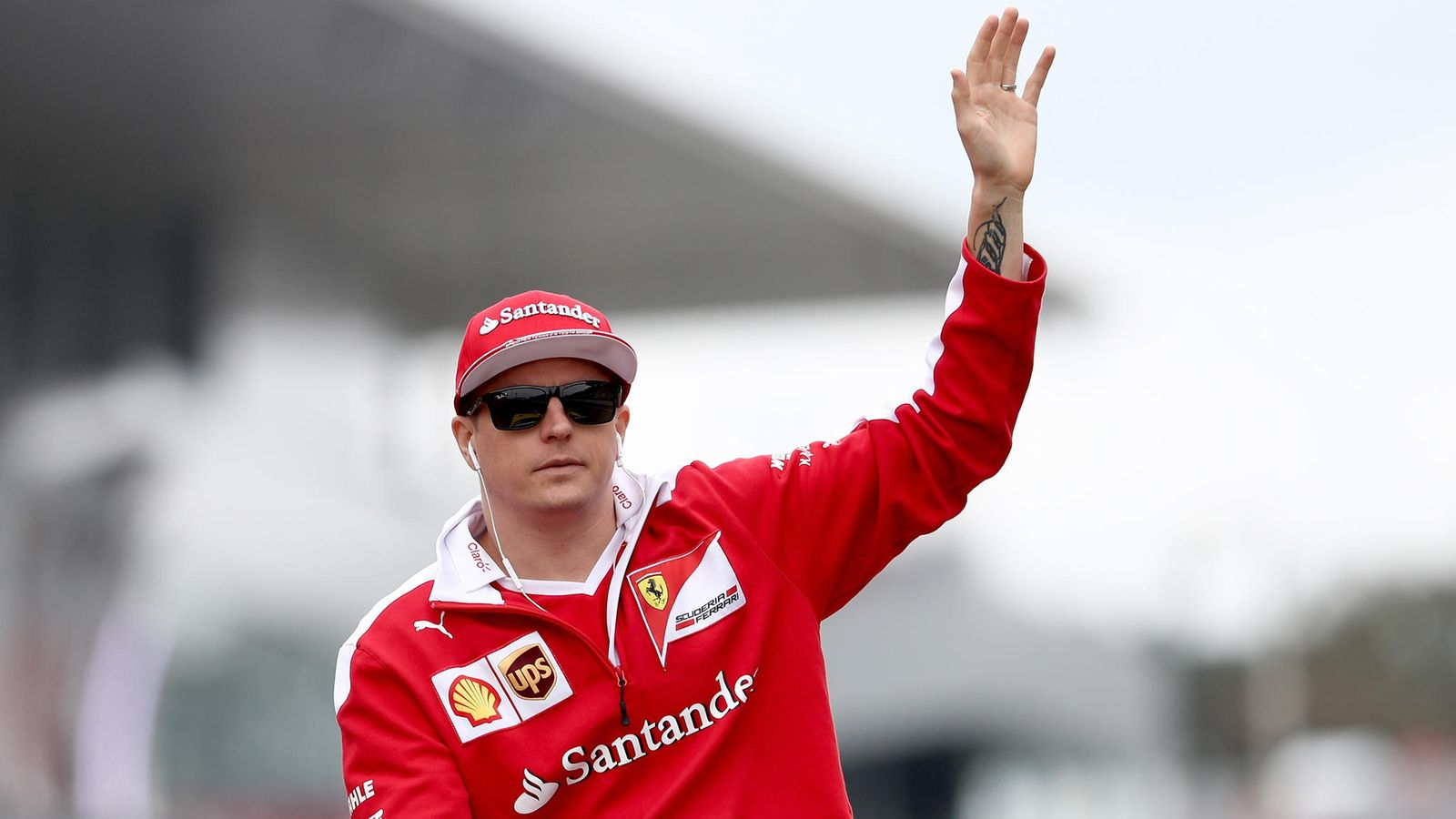 How to drive a real F1 car Autoweek 2006 kimi may news photo raikkonen