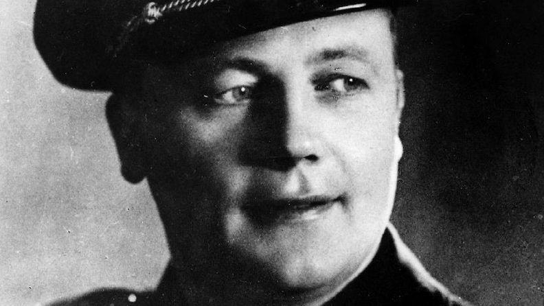Suomen historian kuuluisin naistennaurattaja Ruben Oskar Auervaara 2