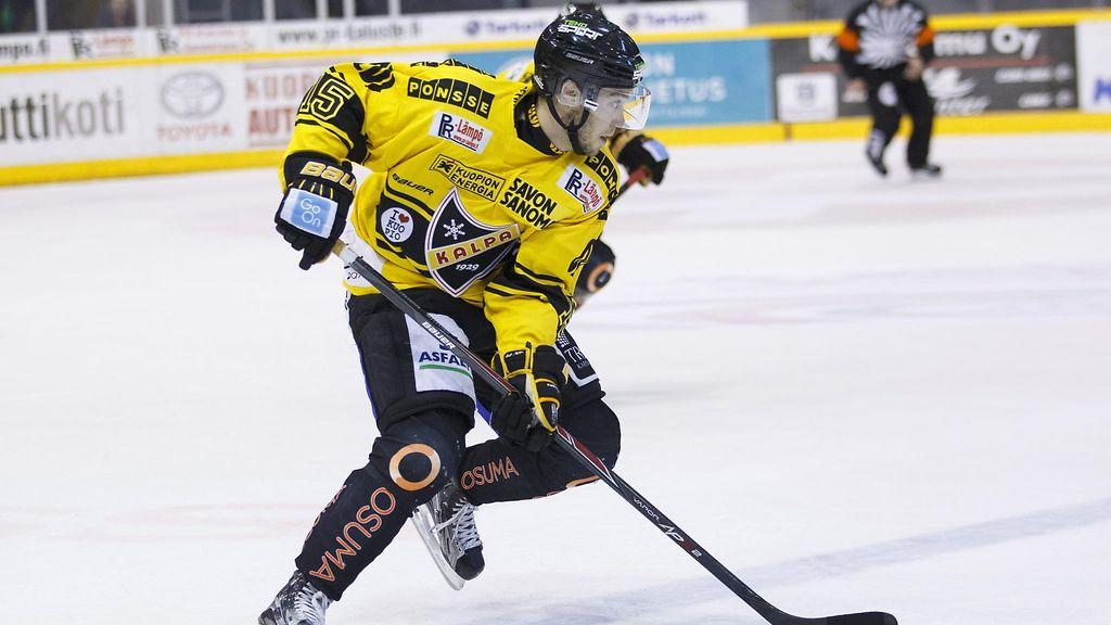 Tulikuuma SM-liigahyökkääjä oli kauden alkaessa työtön – paikka aukesi puun takaa - SM-liiga ...
