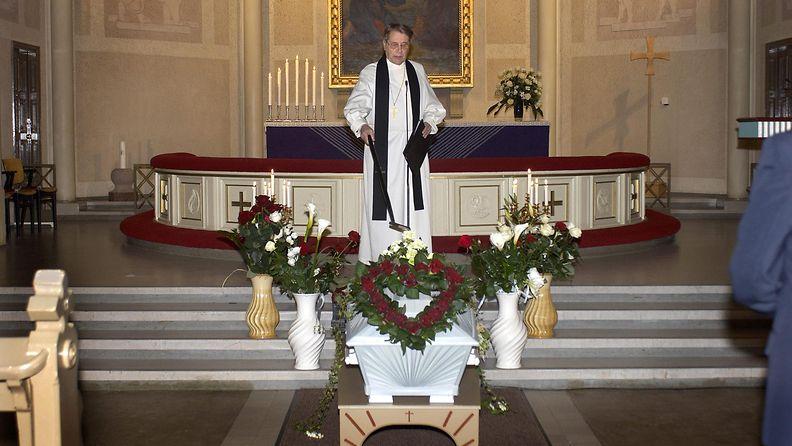 Juice Leskinen kuoli 24.11.2006, siunaustilaisuus 9.12.2006 Tampereella Aleksanterin kirkossa