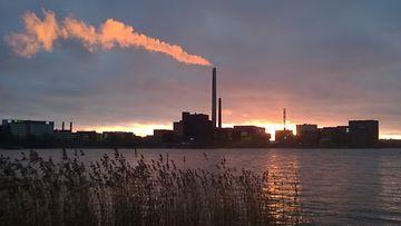 Ilmasto ilmastonmuutos saasteet saastuttaminen salmisaaren voimalaitos energia hiilivoima voimala