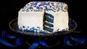 Itsenäisyyspäivän-Blue-Velvet--kakku_1479797227