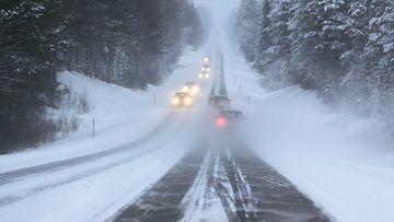 talvi autoilu turvaväli