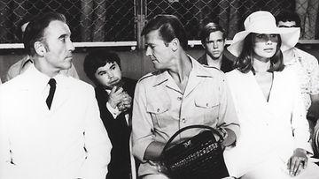 Christopher Lee, Herve Villecheuze ja Roger Moore 1974