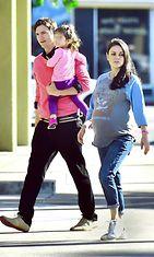 Mila ja Ashton ennen synnytystä