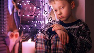 lapsi, joulu, yksin