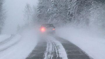 talvi liikenne huono ajokeli auto