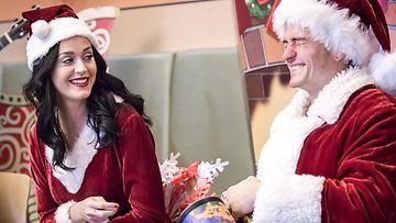 Katy Perry ja Orlando Bloom lastensairaalavierailulla Los Angelesissa 21.12.2016 2
