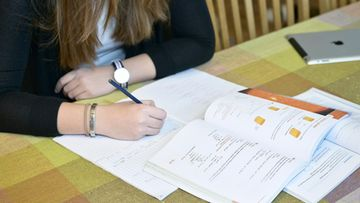 Koulu kirjoittaminen