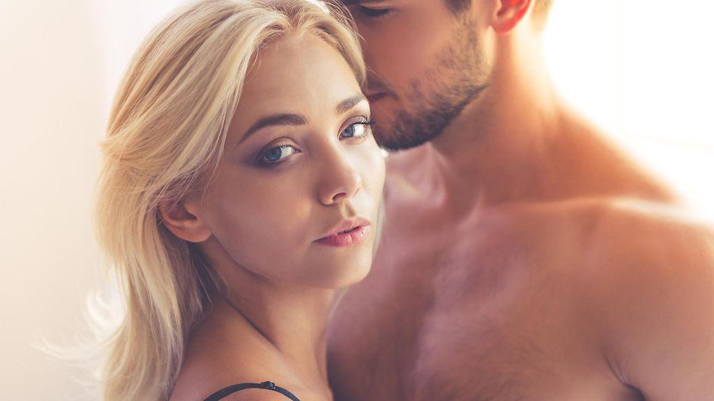 seksiasennot miten saada nainen laukeamaan