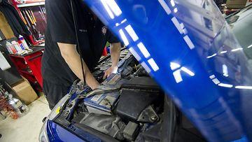 auto korjaaminen korjaamo autokorjaamo tuunaaminen moottori