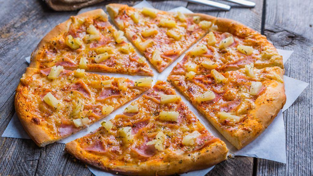 Kinkku Ananas Aurajuusto Pizza