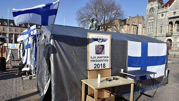 Suomi Ensin mielenosoitus