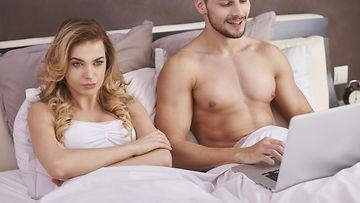 avain henkilöt dating siteNeitsyt mies dating Oinas nainen