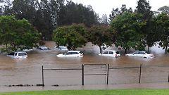 Pelastustöitä jatketaan Australiassa Debbie-myrskyn jälkeen – nyt piinaavat tulvat