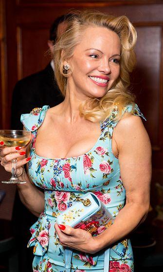 Pamela Anderson 3.4.2017 4