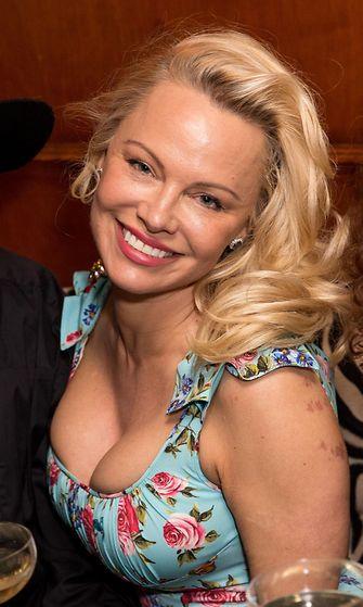 Pamela Anderson 3.4.2017 5