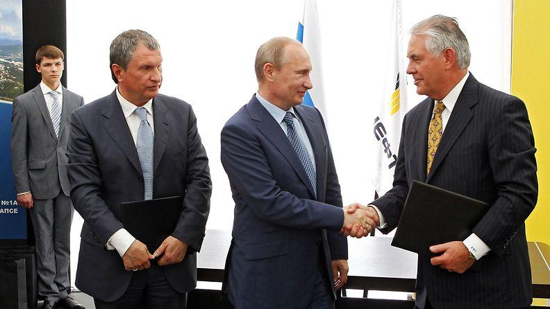 Tillerson Putin Sechin