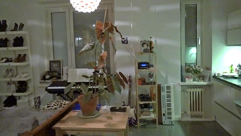 Sini Sabotage esittelee kotinsa – hulppea vaatehuone varastaa huomion  Iholl